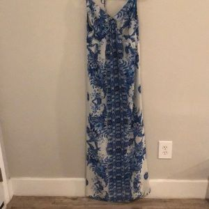 LULUS MAXI DRESS FLORAL PRINT SIZE LARGE